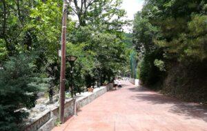 Pešačka staza ka centralnom delu